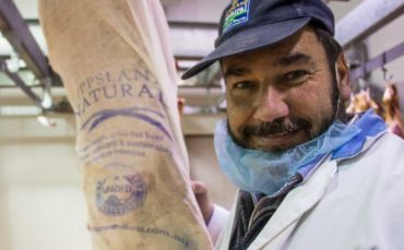 Paul Crock wants to pioneer sustainable packaging in the meat industry. (ABC Rural: Jess Davis)